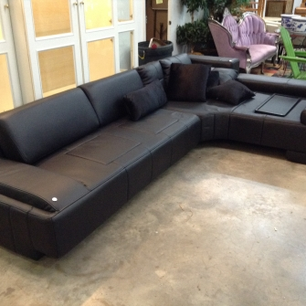 Leather Sectional - Orlando Business Liquidation
