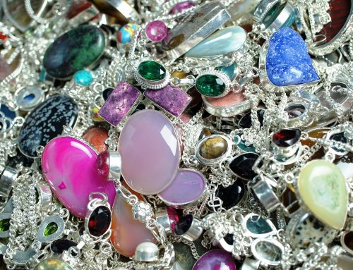 Selling Jewelry: Your Do's and Don'ts Guide for Success